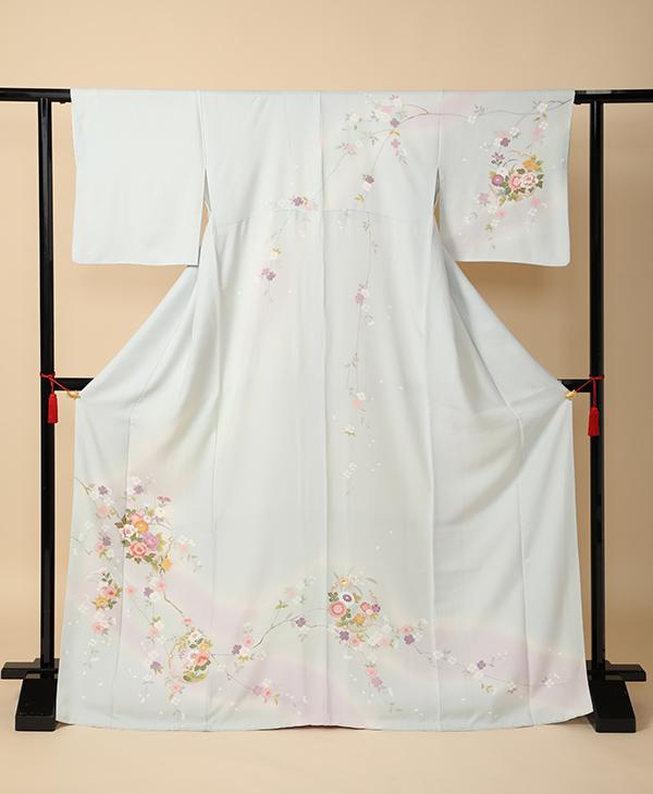 色留袖 一例 枝垂桜に牡丹